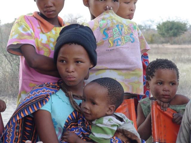 namibian_bushmen_girls