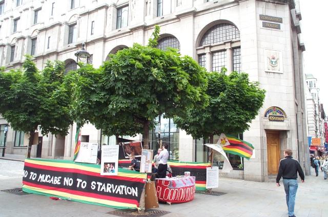 vigil_zimbabwe_embassy_london_20050604